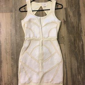 Nordstrom en creme white/off white sequin dress